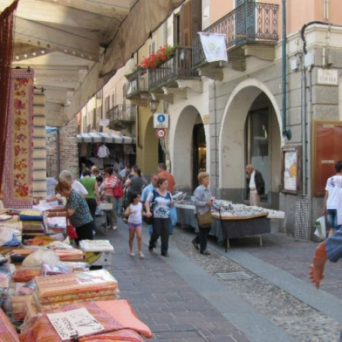 Mercato di Nizza Monferato