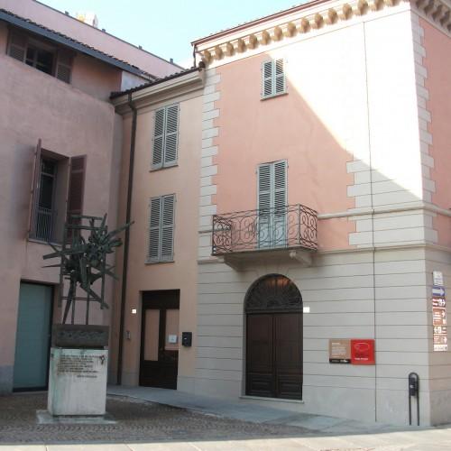 """TAPPA 13  Centro Studi """"Beppe Fenoglio"""" e la Resistenza ad Alba."""